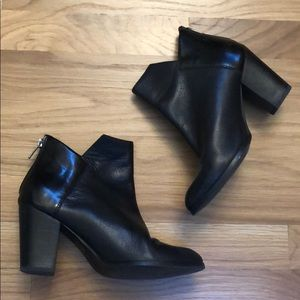 Seychelles black leather boots - size 6